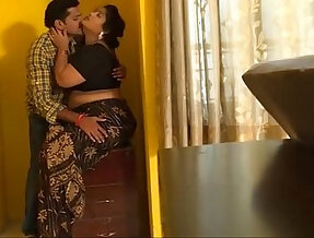 Mallu indian babhi and young boy Sex captured by Room boy full