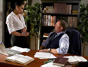 Fucking awesome secretary Vicki Chase gets intimate with her venerable boss