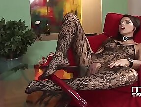Zafira Devil Girl Give Red Tail - High Heels And Pantyhose Fetish